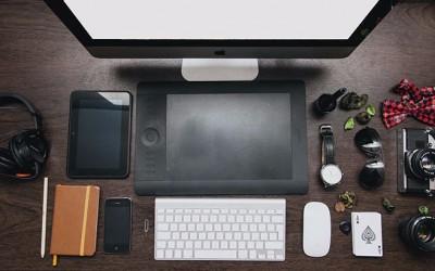 apple-desk-imac-1712.jpg